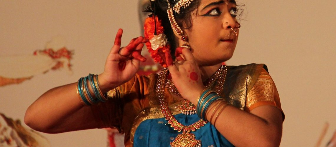 indian-woman-112605_1280